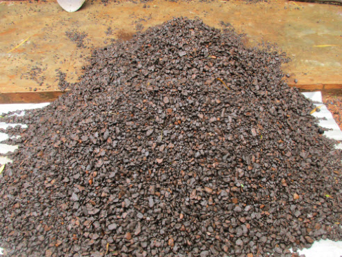 Detrital -25+8mm manganese ore washed